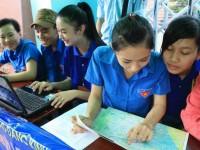 Sinh viên CKM với chương trình tiếp sức mùa thi