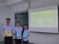 Sinh viên Cao đẳng Dược trường Cao đẳng Miền Nam báo cáo khoá luận tốt nghiệp